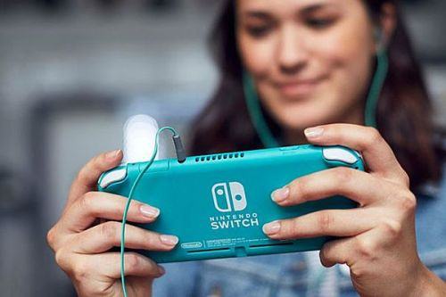 Nintendo's Doug Bowser says females are purchasing Switch Lite over Switch