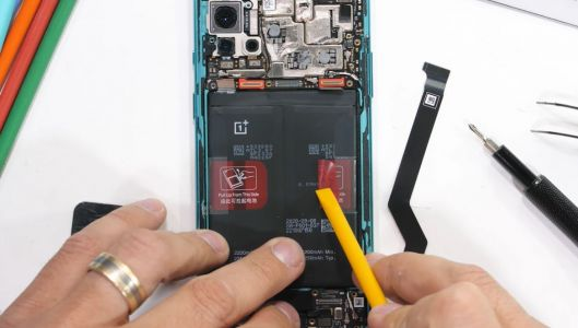 OnePlus 8T Teardown Video Shows How Two Batteries Are Put Together