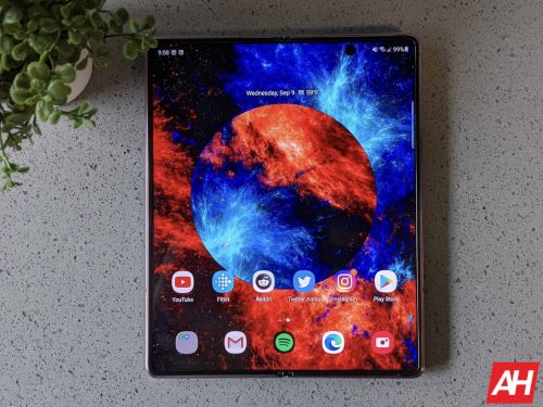 You Can Get The Galaxy Z Fold 2 For Just $999 - Black Friday Deals 2020
