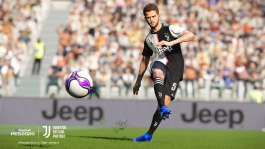You can download and play a new PES 2022 demo right now
